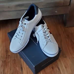 Tommy Hilfiger Men's Pesto Low Top Sneakers